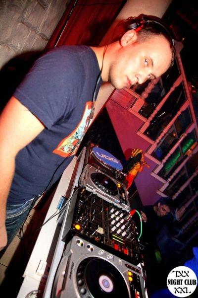 DJ Alex Cosmo