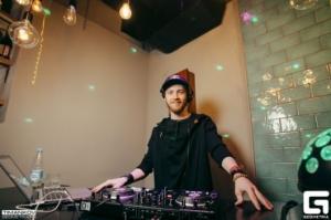 DJ Alex Chester